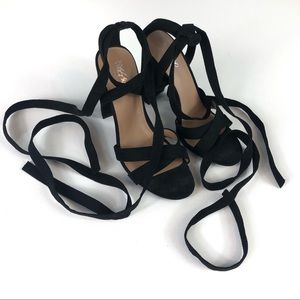 [Mossimo Supply Co.] Black Lace Up Heels in EUC